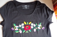 Lovely T-shirt with lots of flowers